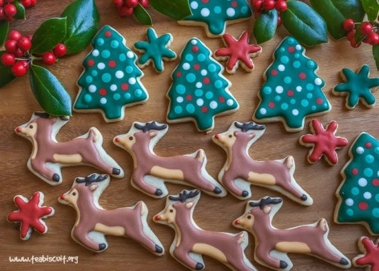 Cute Christmas Rudolph Cookies | teabiscuit.org