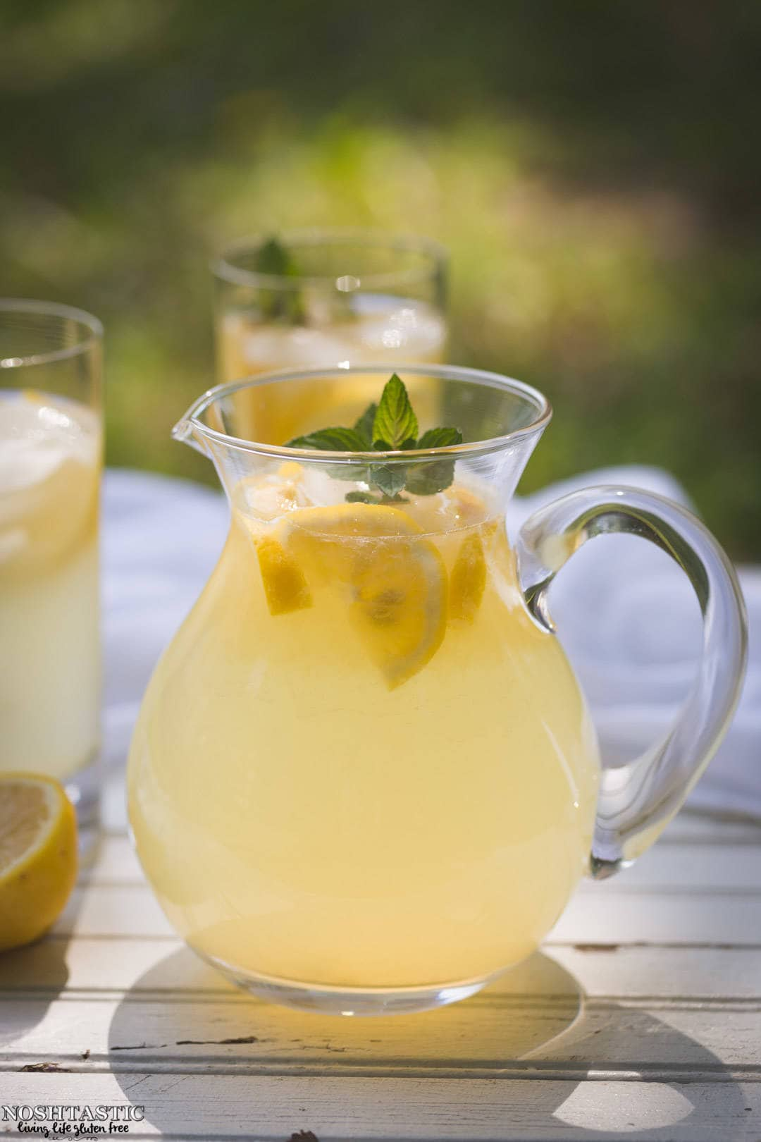 This fresh squeezed Lemonade recipe will blow your mind, you'll never go back to store bought! noshtastic.com