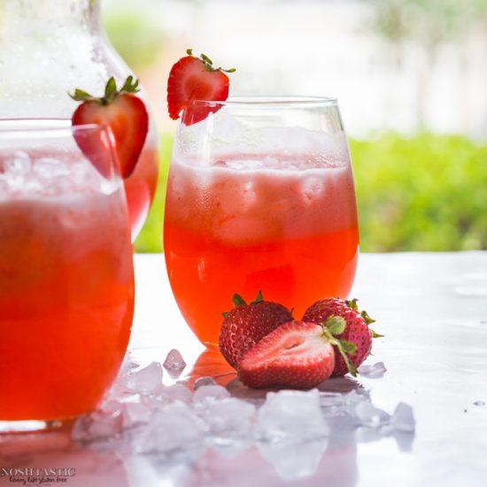 5 Minute Homemade Strawberry Lemonade