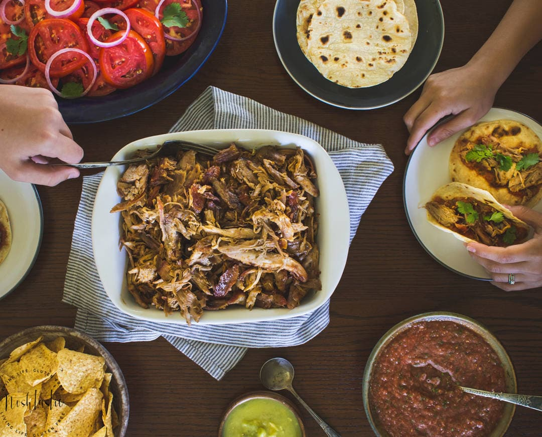 Mexican Pulled Pork Tacos { Tacos De Carnitas}