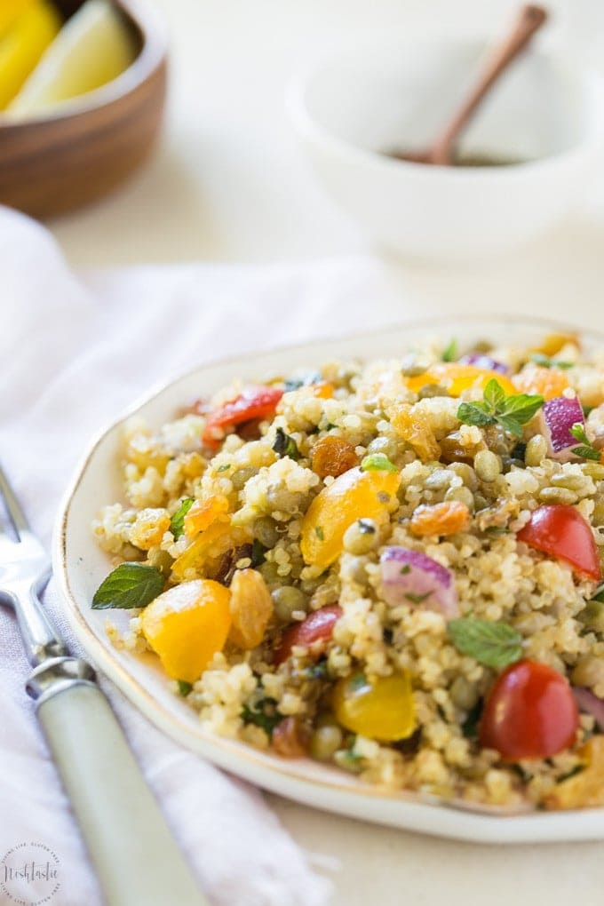 Lentil Quinoa Salad with Golden Raisins and Lemon Dressing that's packed with fresh flavors, it's gluten free, healthy and has 8g of protein per serving, 212 calories and 6 WeightWatchers Smart Points per serving.