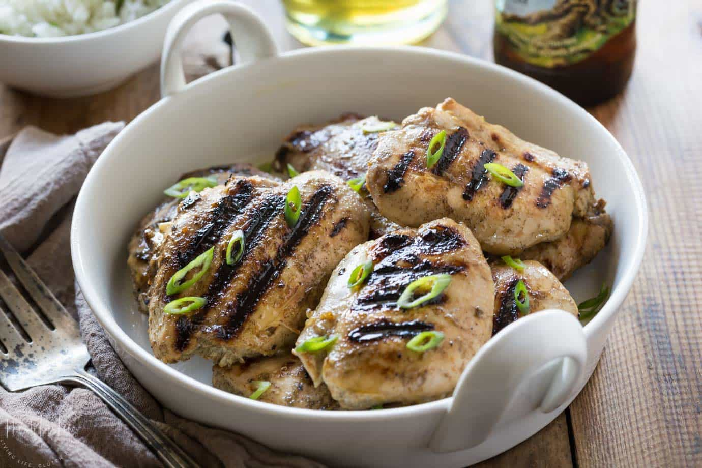My authentic jerk chicken recipe is very simple to prepare and packs a fabulous flavor punch!! it's gluten free, paleo and whole30 too! Jerk chicken spice rub, jerk chicken marinade