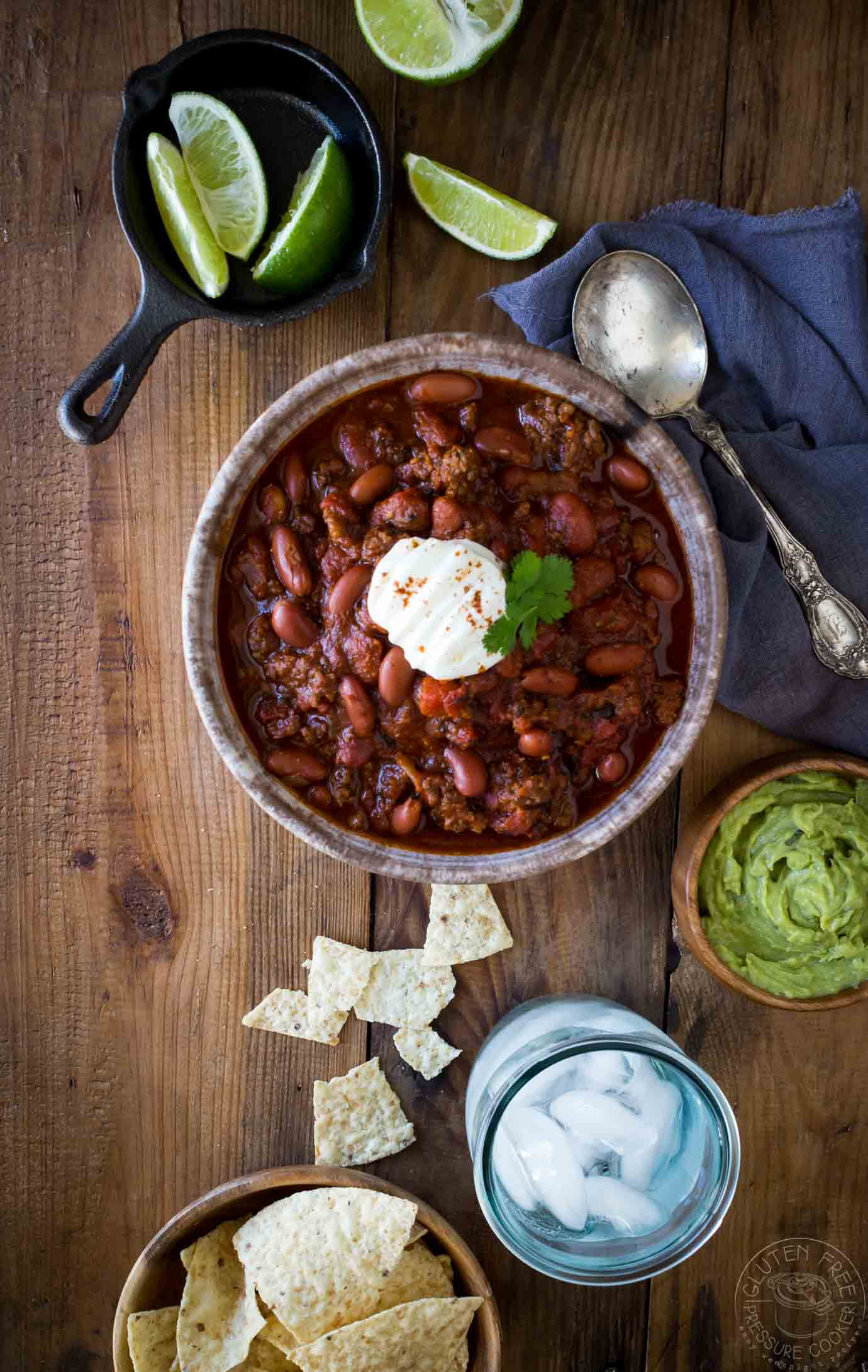 BEST Instant Pot Chili!! My recipe has been tested & tweaked to create a delicious pressure cooker ground beef chili recipe you'll LOVE! It's gluten free. Pressure cooker recipe for ground beef chili, Texas style Chili con carne