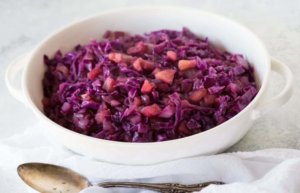 It's a breeze to cook my pressure cooker red cabbage and apple recipe in your Instant Pot or Electric Pressure cooker, it only takes 5 minutes, it's perfect to serve with most meats and of course it's gluten free, vegan, vegetarian, and low calorie, and has a paleo and vegan option.