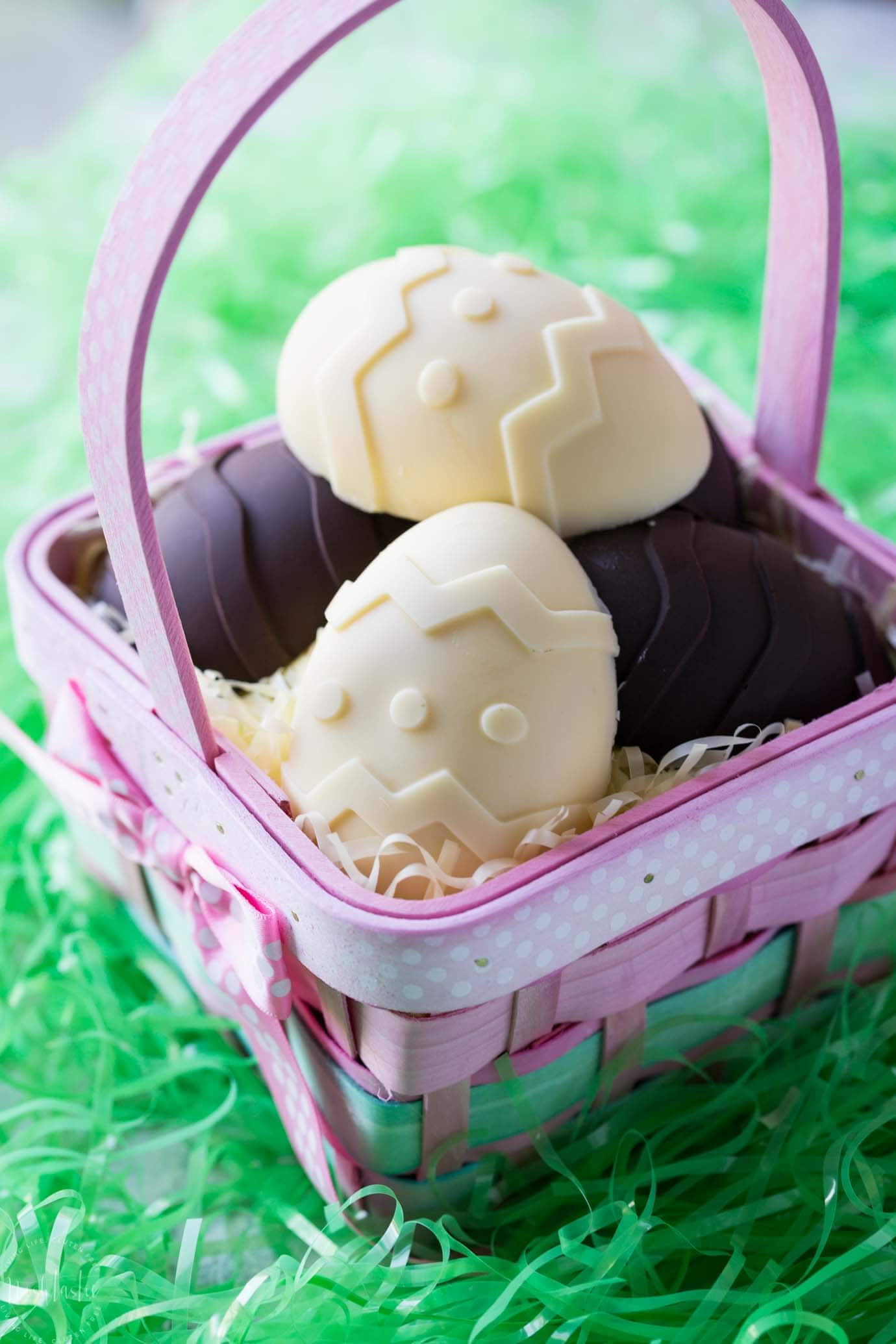 Homemade chocolate eggs stuffed with Cheesecake, so FUN and NO BAKE! The kids will love it, A perfect Easter Candy that's gluten free too!