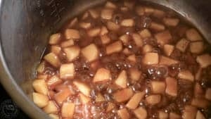 Apple caramel in an instant pot pressure cooker (1 of 1)