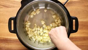 Apples in butter in an instant pot pressure cooker (1 of 1)
