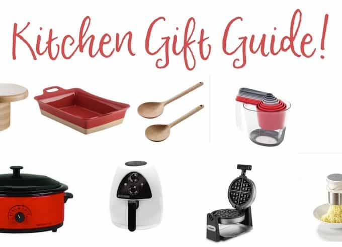 Essential kitchen gift guide for all kitchen gadget lovers! #christmastgiftguide #kitchengifts #kitchengiftideas #giftguideforher #giftguide