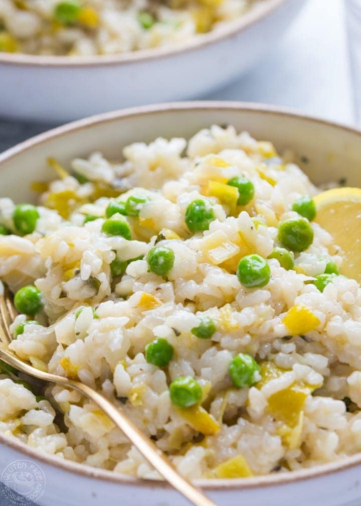 Pressure Cooker Risotto with leeks, peas, tarragon, an easy gluten free pressure cooker recipe for ristto that's perfect for any electric pressure cooker or Instant Pot | www.noshtastic.com | #instantpot #instapot #pressurecookerrisotto #electricpressurecooker #glutenfreepressurecooker #glutenfreeinstantpot #glutenfree #instantpotrisotto