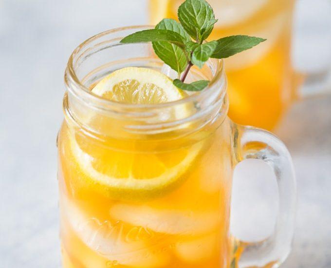 | www.noshtastic.com | #sweettea #minttea #icedtea #summerdrink #icetea #southernsweettea #tea #nonalcoholicbeverage #glutenfree #noshtastic #glutenfreerecipe