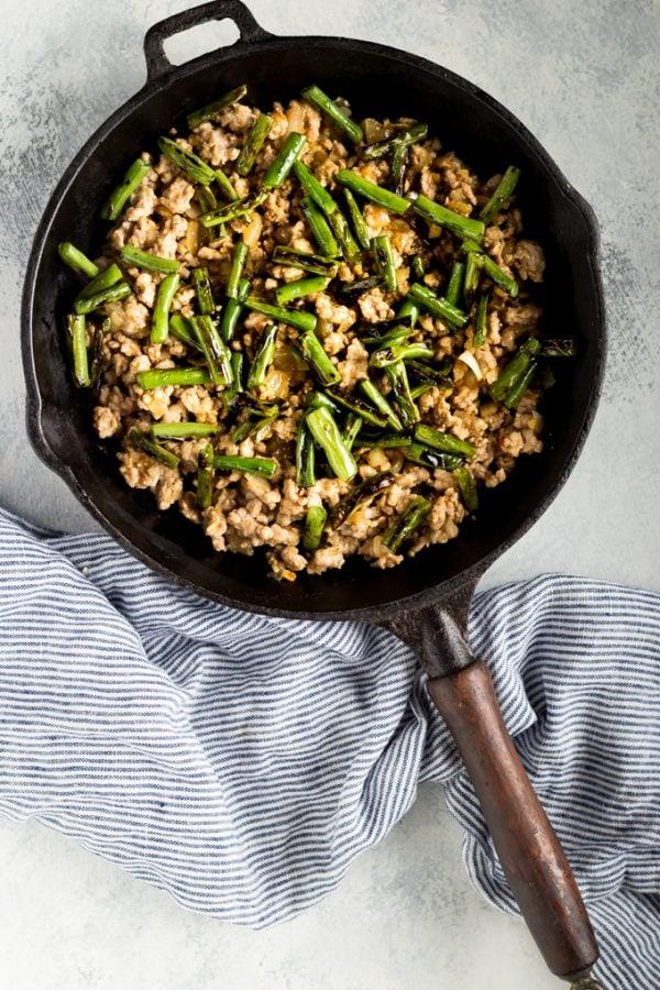 | www.noshtastic.com | #noshtastic #glutenfree #lowcarb #keto #ketodiet #ketogenic #ketorecipes #ketogenicdiet #lowcarbrecipe #recipe #paleo #paleodiet #whole30 #w30 #pork #dinner #greenbeans #stirfry #chinese #takeout #easy #maincourse
