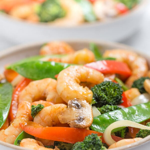 shrimp stir fry in bowls